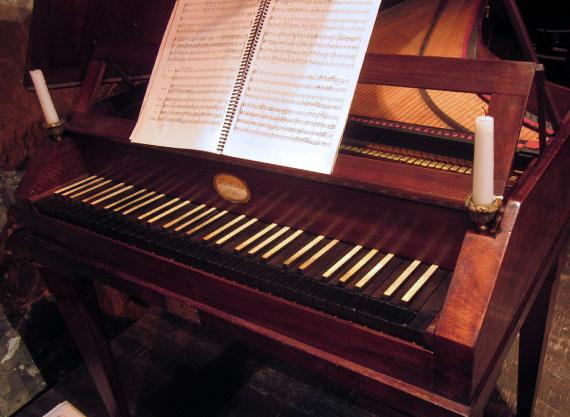 Mozart sur instruments d poque par kristian bezuidenhout for Apri le foto del piano