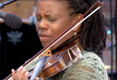 Regina Carter, invitée de Liz McComb, Jazz à Vienne, 27 juin 2010