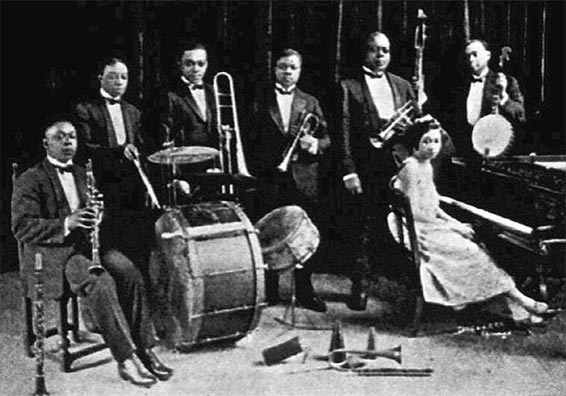 the early developments of jazz music Early 20th century jazz clubs were deplored by some who considered both the music and dancing immoral see an image early jazz 1900-1930 the american musical art form jazz emerges in new orleans around the advent of the 20th century.